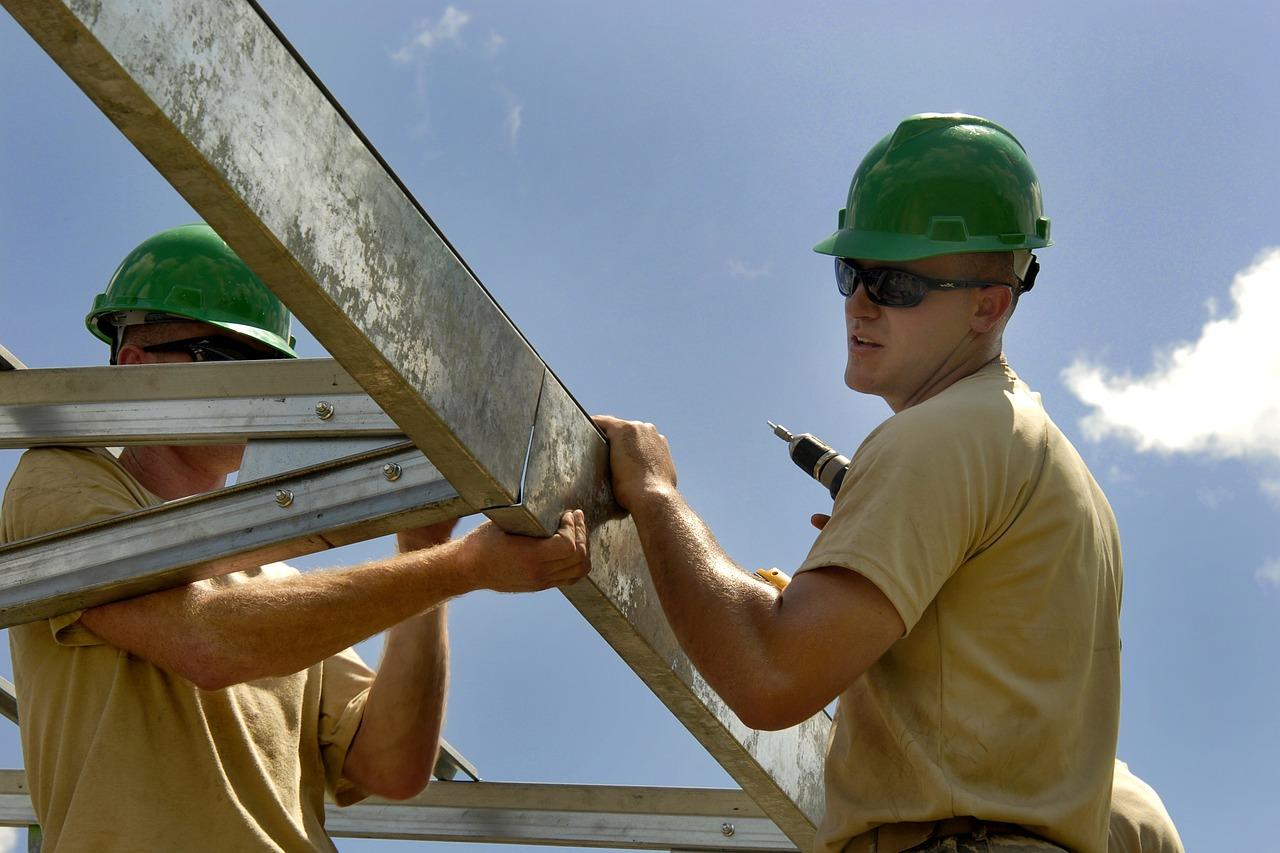 Rénover un plafond en plâtre très abimé
