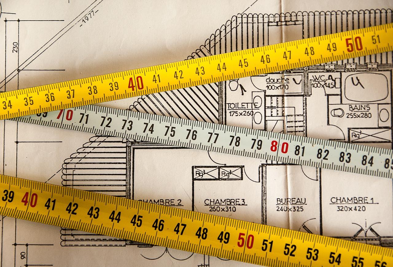 Rénover ses plafonds : conseils, coûts...