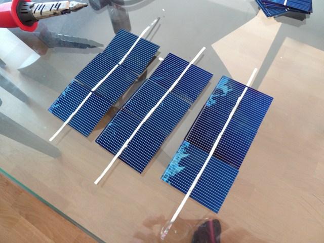 comment fabriquer un panneau solaire gratuit maison. Black Bedroom Furniture Sets. Home Design Ideas